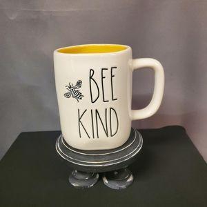 Rae Dunn BEE KIND Mug